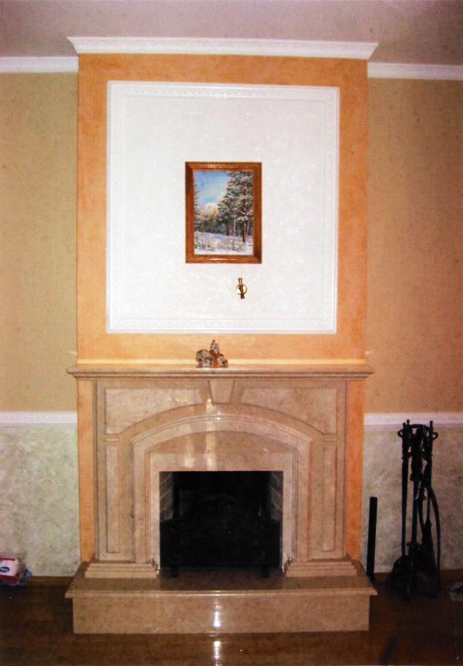 Камин в доме на ул. Ирининская